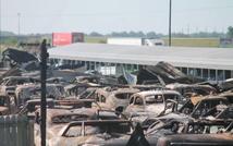 сгоревшие автомобили в Иллинойсе