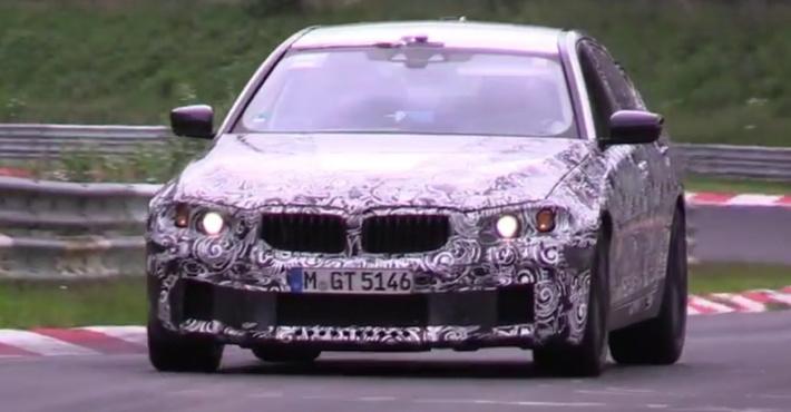 Мощный седан BMW M5 засняли на видео на трассе Нюрбургринга