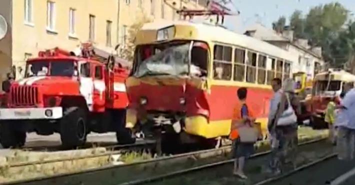 НаУралмаше один трамвай протаранил другой