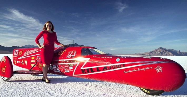 Студентка побила рекорд скорости на самодельном электрическом мотоцикле