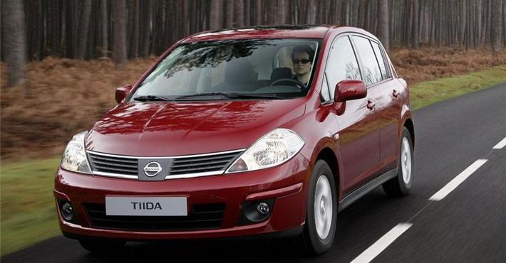 хэтчбек Nissan Tiida