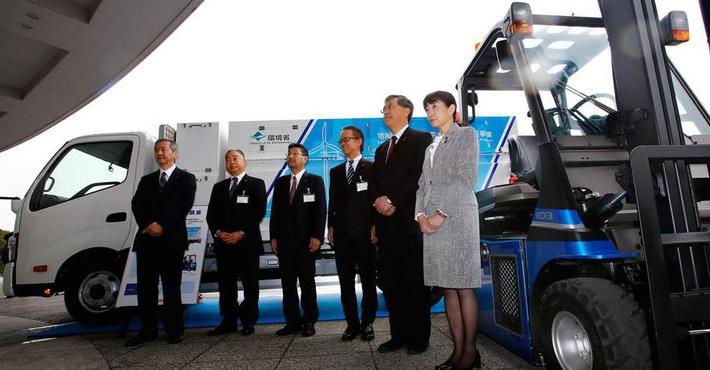 Тойота делает тяжёлый грузовой автомобиль, который будет работать натопливных элементах сэлектромотором