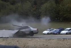 столкновение автомобилей при 200 км/ч