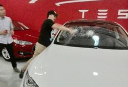 разбитая Tesla